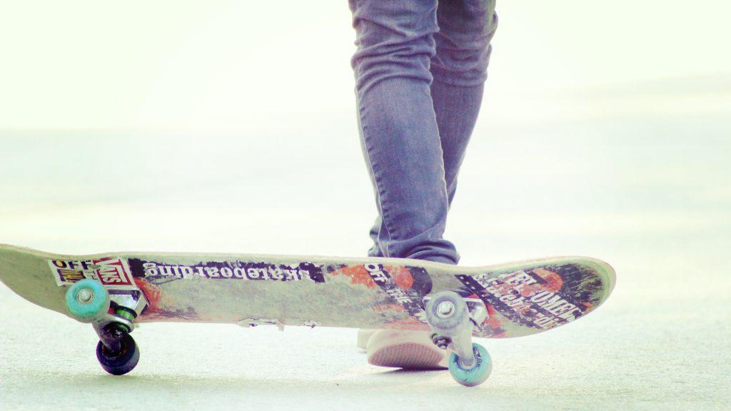 skater-1443435_1920